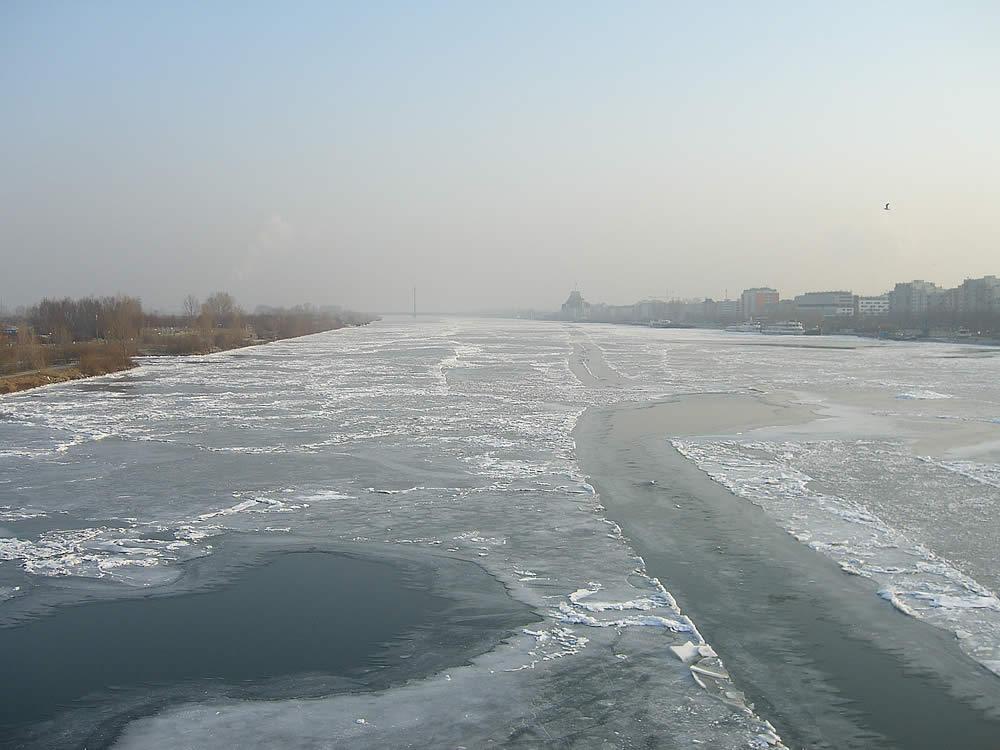Donauinsel Reichsbrücke