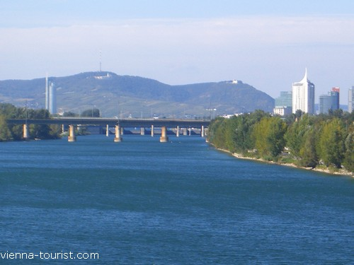 Donauinsel Steinspornbrücke